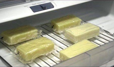 Un noplástico hecho de leche protegerá a la comida en el futuro